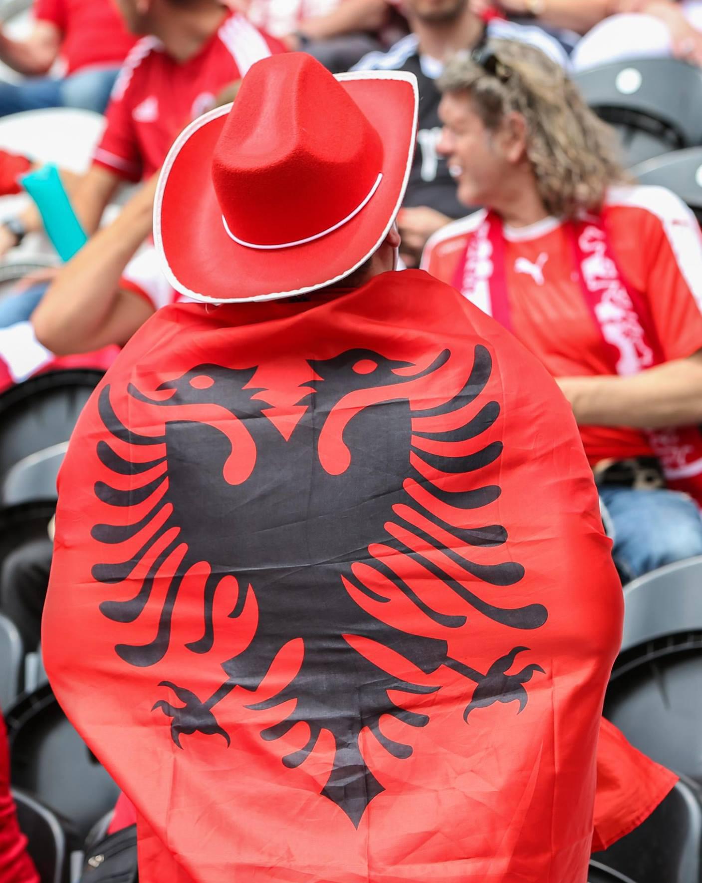 Albanische fan vlag